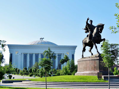 Amir Timur Square