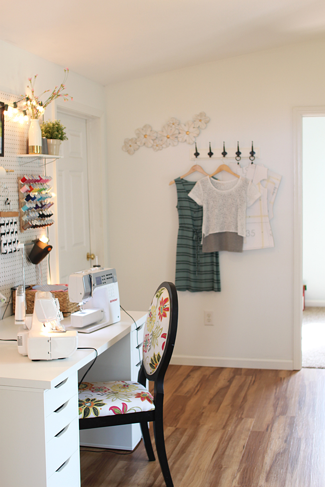Heidi's stylish sewing space