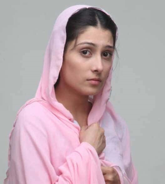 Ayeza Khan Queen Without Makeup Pictures