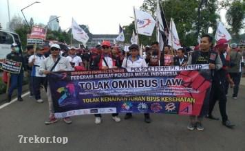 Pengertian Omnibus Law Yang Didemo Buruh di DPR