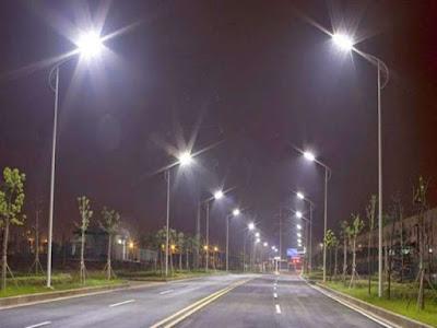 pabrik tiang lampu,tiang lampu,tiang lampu penerangan jalan,tiang lampu pju