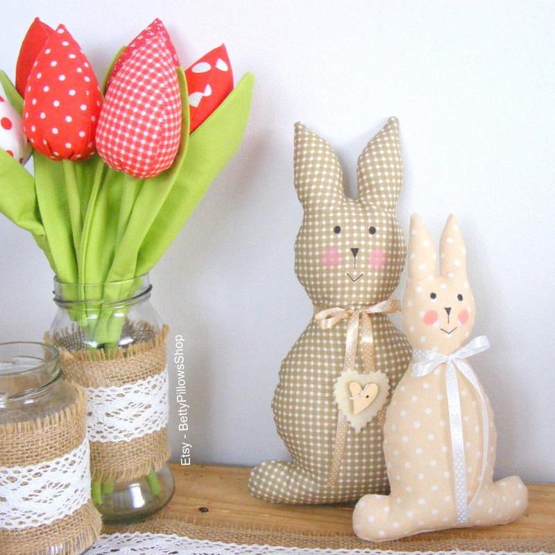 Decoração rústica de Páscoa com coelhos