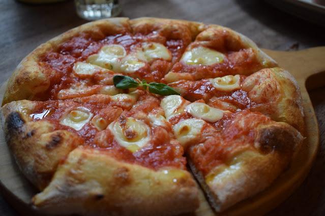 Jamie's Italian Super Lunch margheritta pizza