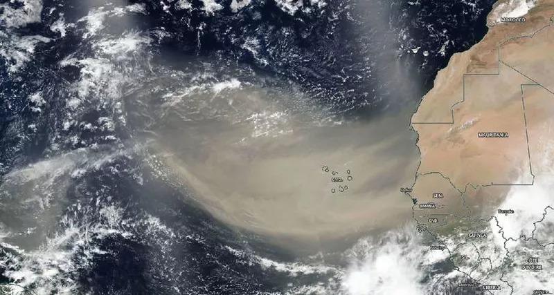 nube-de-polvo-sobre-el-atlantico