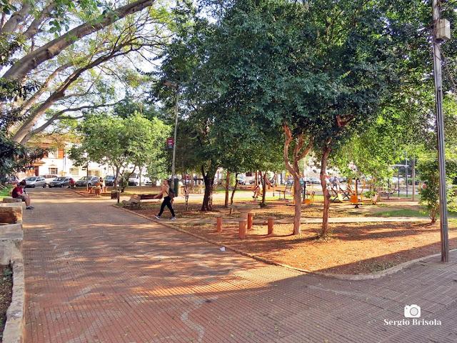 Vista de parte da tradicional Praça Cornélia - Água Branca - São Paulo