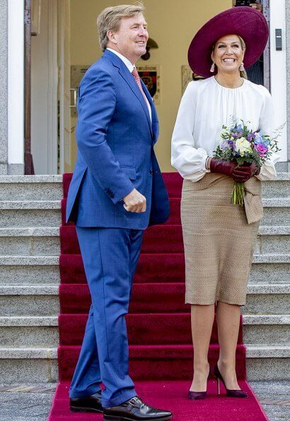 The King and Queen visit the Opheusden, Tiel, Geldermalsen and Culemborg of Gelderland. Natan