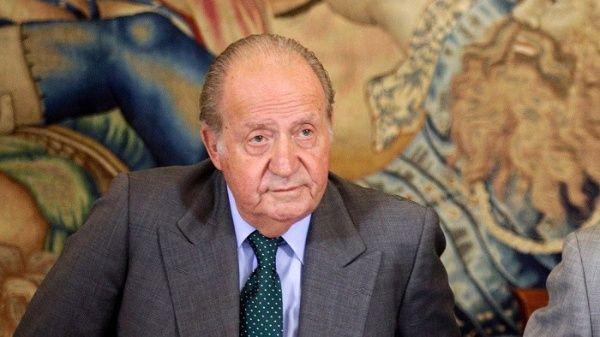Vinculan a rey emérito español en presunta transferencia millonaria