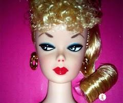 Коллекционная кукла Barbie Signature Mattel 75th Anniversary 2019 года: золотой лейбл