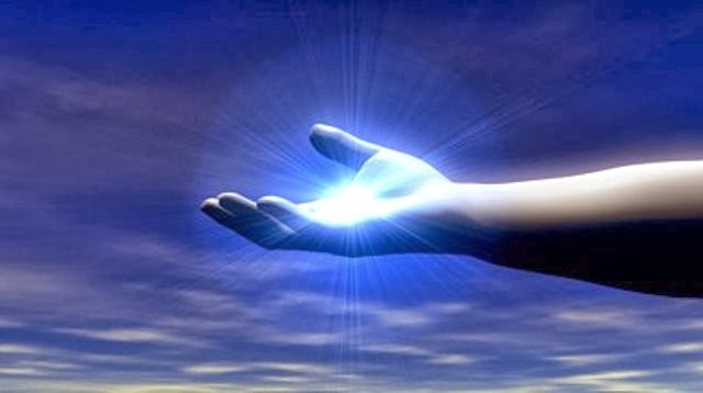 Τελικά είναι αλήθεια! Τα χέρια μας εκπέμπουν...φως!