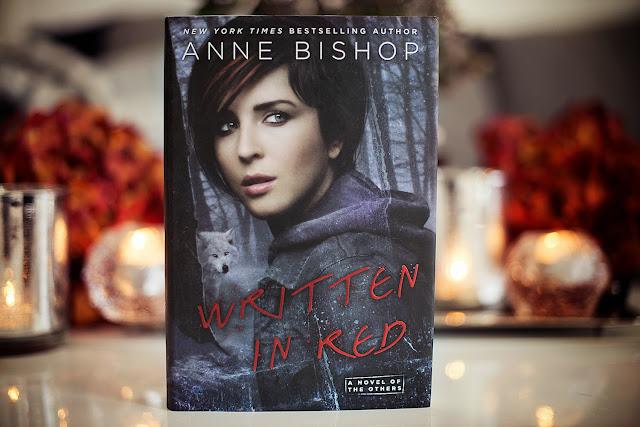Anne Bishop – Vörös betűkkel (A Mások 1.)