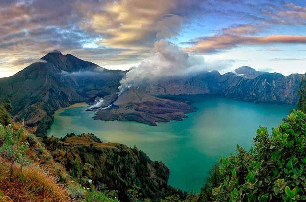 Sejuta Pesona Danau Segara Anak Pulau Lombok