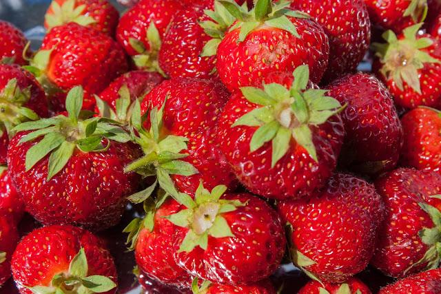 10 zdrowotnych właściwości truskawek!