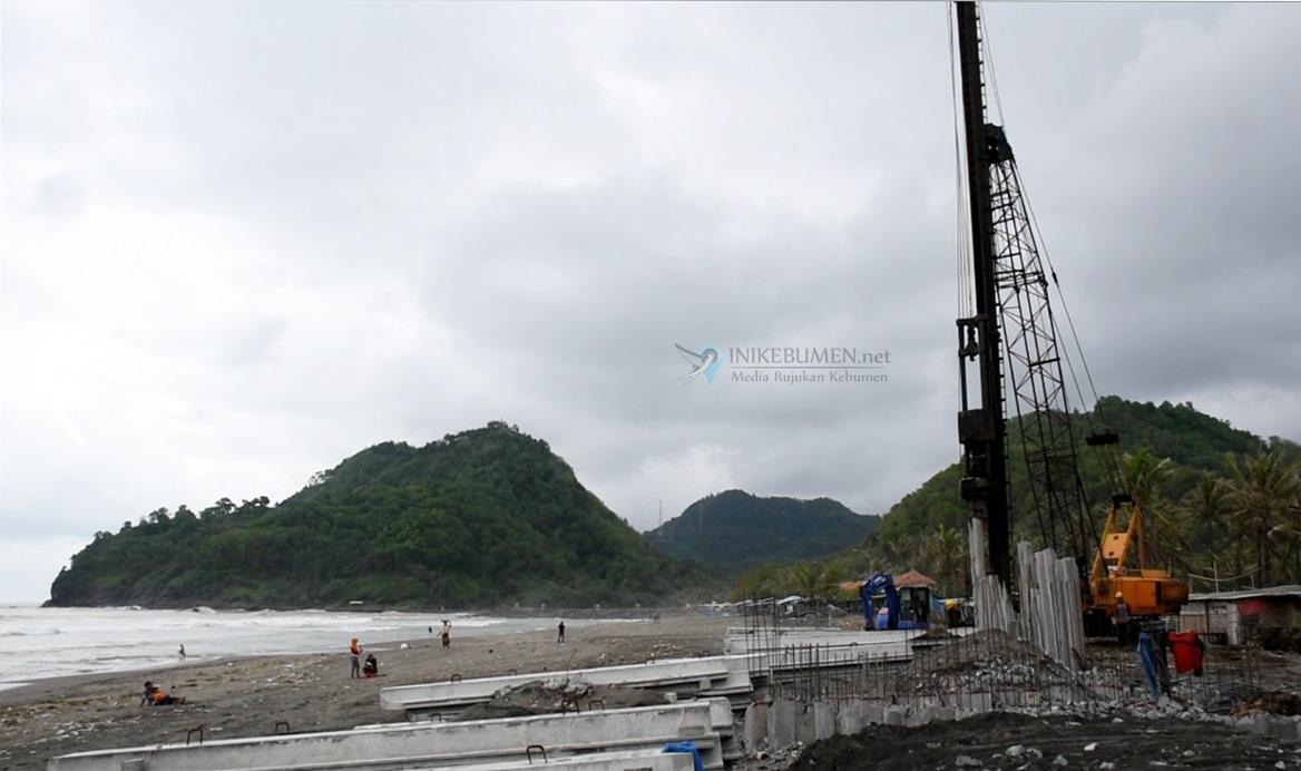 Penahan Ombak Senilai Rp 1,9 Miliar Dibangun di Pantai Suwuk