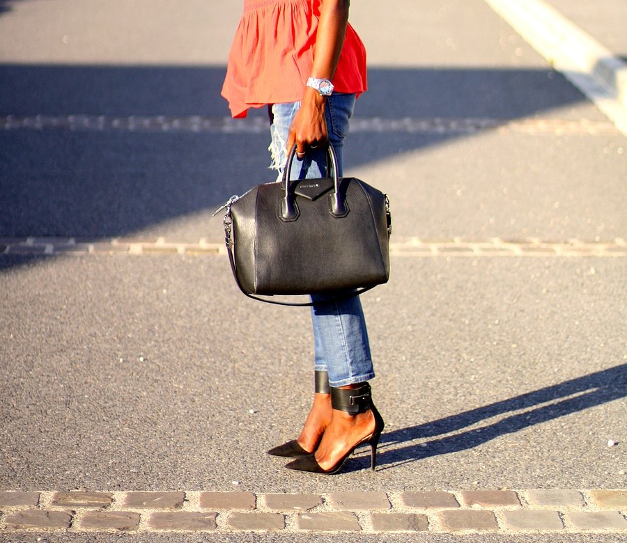 givenchy-antigona-ripped-jeans-zara-red-peplum-top-blog-mode-ootd