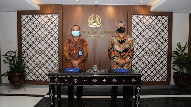 Penanda tanganan Perjanjian kerja sama Kemlu dan Kemenkumham Terkait Penanganan WNA