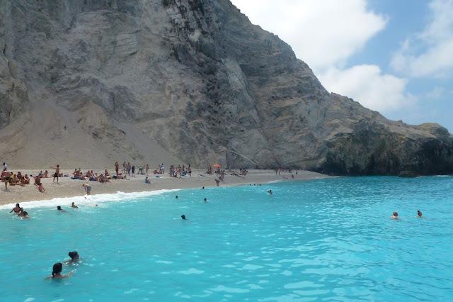 Egkremnoi beach