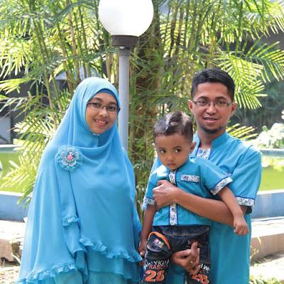 Baju Lebaran Keluarga Biru