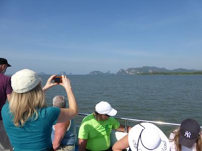 Travesía ferry Andaman Wavemaster Krabi Phi Phi, Tailandia, La vuelta al mundo de Asun y Ricardo, vuelta al mundo, round the world, mundoporlibre.com