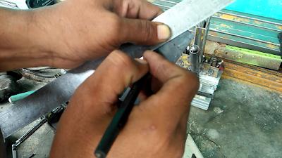 Contoh Cara Membuat Garis Sketch Baut Knob Besi