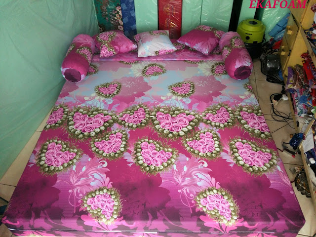 SOFA BED INOAC PALEMBANG,SOFABED INOAC LAMPUNG,SOFA BED INOAC JAWA TENGAH MOTIF ANGGUR MERAH