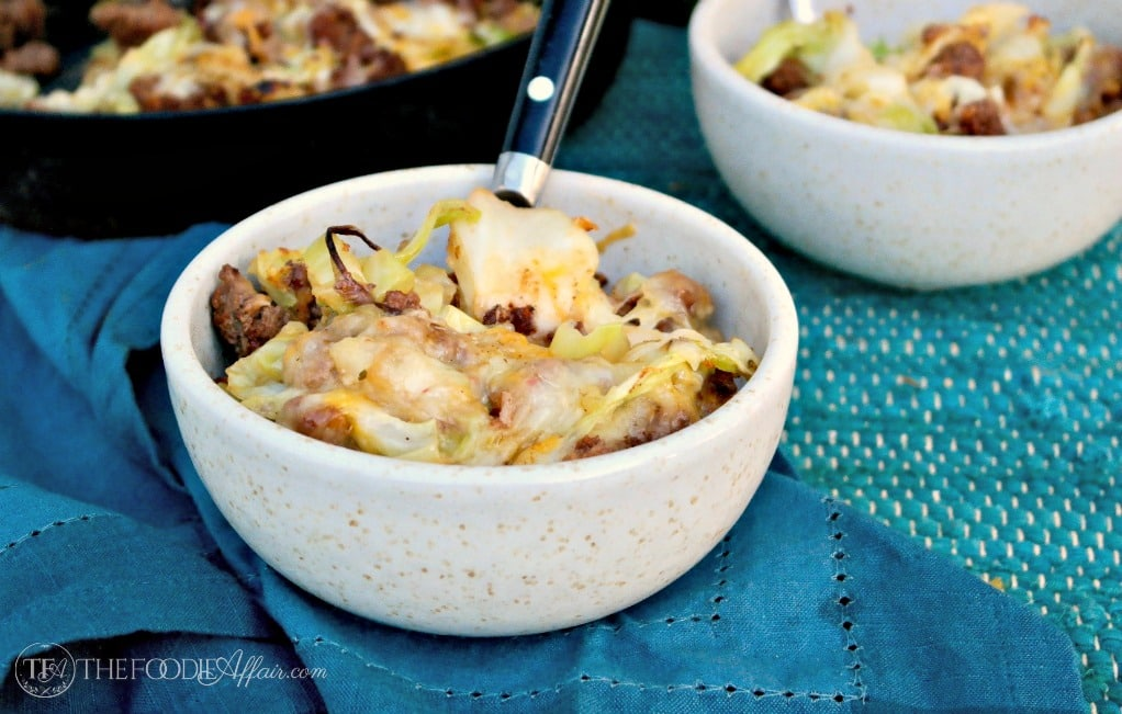 TEX MEX CABBAGE BEEF SKILLET RECIPE TOPPED WITH SPICY MEXICAN CHEESE BLEND #dinner #healthy