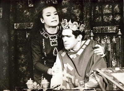 Τζένη Καρέζη και Κώστας Καζάκος στο θεατρικό του Καμπανέλλη, Το Μεγάλο μας Τσίρκο