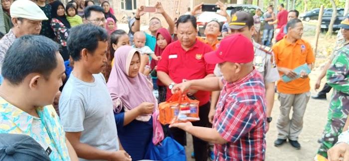 Plt.Nanang Ermanto Beri Bantuan Korban Kebakaran di Kec.Penengahan
