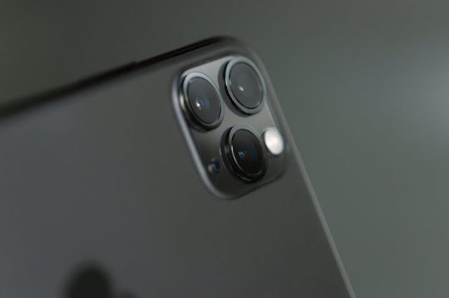 """Apple is trying to make the """"notch"""" unnoticeable on the iPhone 13"""