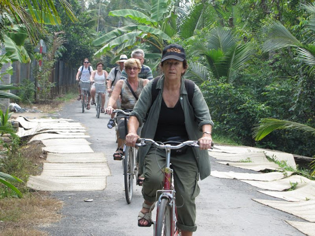 Visit Vietnamese countryside by bike. Have you tried it yet? 1