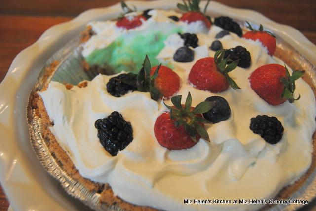 Pistachio Ice Box Pie at Miz Helen's Country Cottage