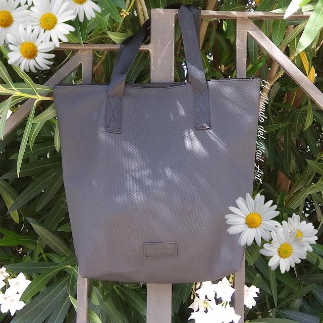 https://www.notino.es/notino/elite-collection-shopper-bag-bolsa-de-compras/