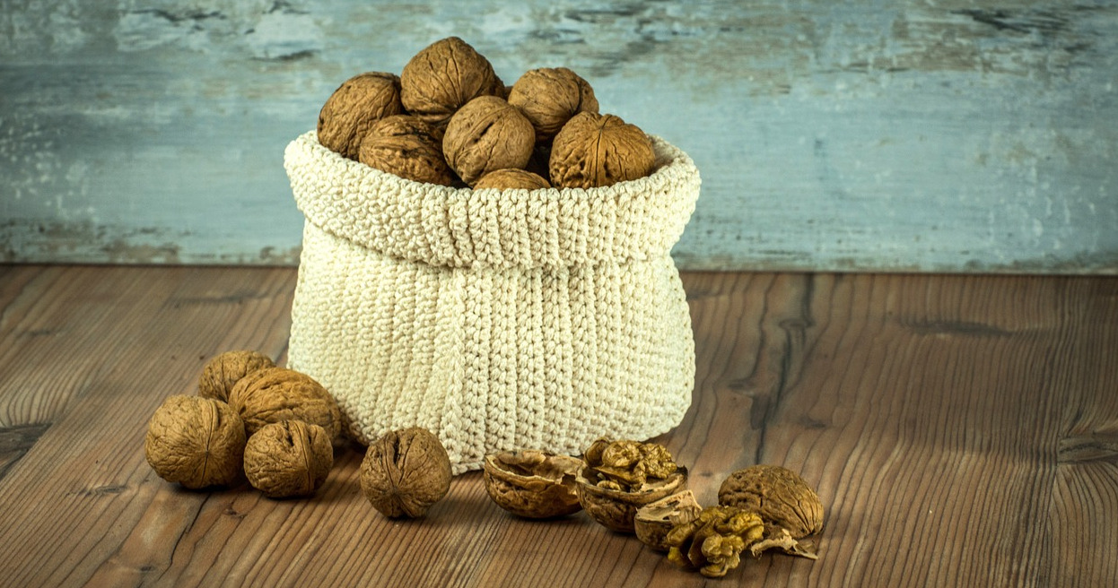 Walnuts Top 6 Strong Hair Growth in 2021-Healthy Biotin Tips