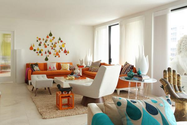 Anda sanggup memakai gabungan yang berbeda untuk mendapat warna orange Ruang Tamu Manis Dengan Tema Warna Orange