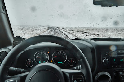 Carretera nevada que puede aumentar los tiempos de conducción en Islandia