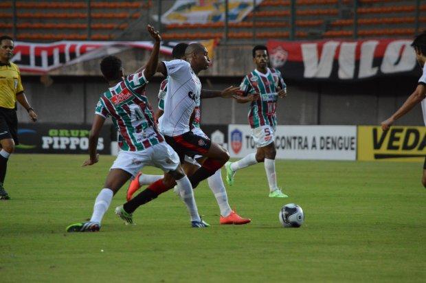 Touro do Sertão bate o Leão no Estádio de Pituaçu