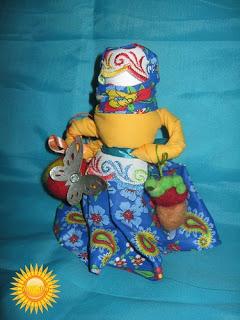Славянские куклы-обереги — 1 http://parafraz.space/Славянские куклы-обереги: обо всех понемногу (часть 2 ) http://prazdnichnymir.ru/ куклы обережные, куклы славянские, традиции славянские, куклы, поверья народные, магия народная, куклы народные, куклы обрядовые, обереги своими руками, обереги для дома, обереги для семьи, обереги на благополучие, куклы праздничные, рукоделие, творчество народное, культура народная, культура славянская, обереги славянские, куклы своими руками, мастерим с детьми, коллекция, энциклопедия Краткая, Зерновушка, Малненица, Берегиня, Кукла на беременность, Метлушка, Лихоманки, Баба Яго, Столбушка, Радуница, Благополучница, Подорожница, Желанница, Ангел, Жаворонки, Счастье, Ярило, Зайчик-на-пальчик, куклы из ниток, куклы тряпичные, куклы-мотанки, куклы-скрутки,