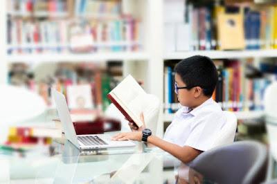 Contoh Soal Menunjukkan Bukti Latar dan Watak | Ujian Nasional SMP/MTs 2019/2020