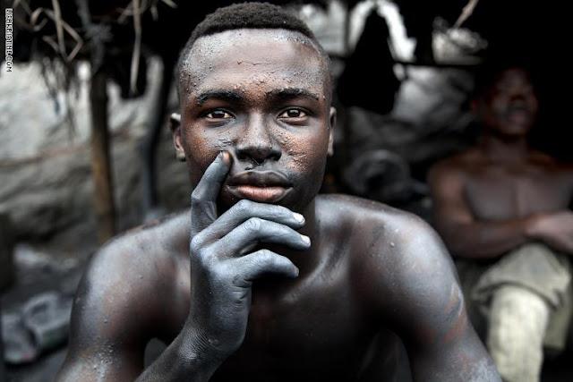 """""""ليست لدينا حرية"""".. إليك وجوه ضحايا العبودية الحديثة"""