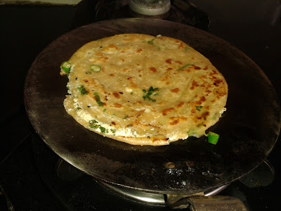 COTTAGE CHEESE / PANEER LACHHA PARATHA