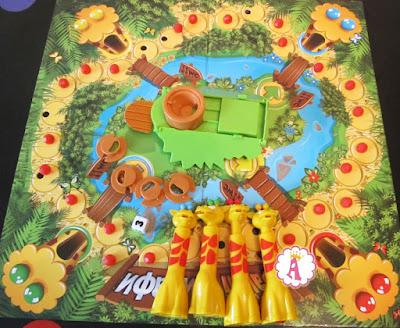 Игрушки из набора Дивные жирафы