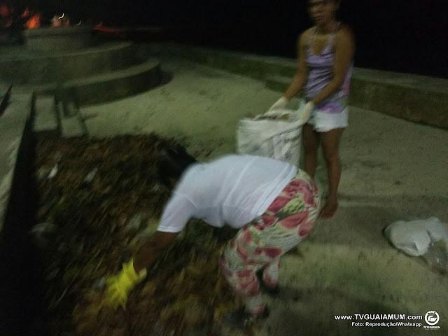 Inconformados moradores de Ponta de Pedras limpam as ruas
