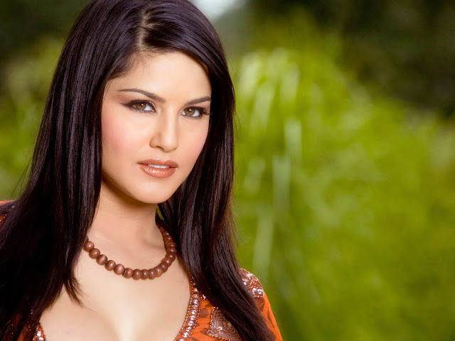 Sunny Leone sexy pic pictures