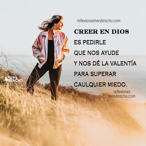 imagen de mujer en montaña pierde el miedo , temor, reflexion cristiana
