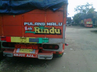 kata kata belakang bak truk paling lucu nyleneh