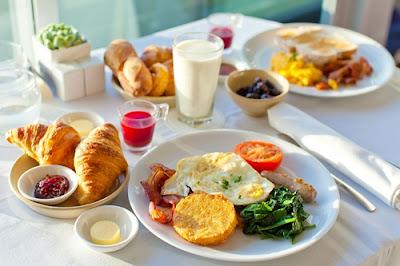 Ăn sáng và ăn bữa phụ - mẹo tăng cân nhanh chóng