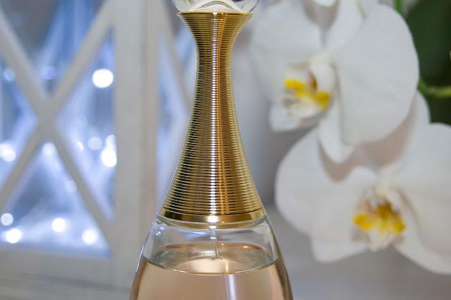 nakrętka od perfum Dior J'adore
