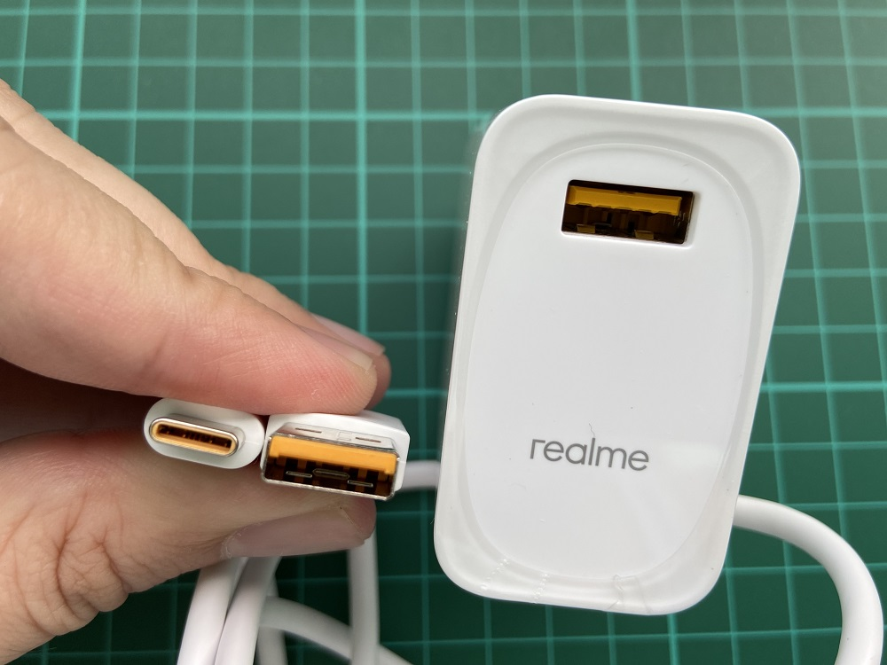 realme 7 accessories ports contact points in yellow