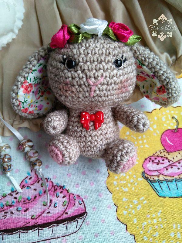 conejita-a-crochet-flor-de-diys