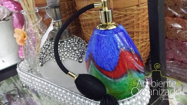 Perfumeira colorida