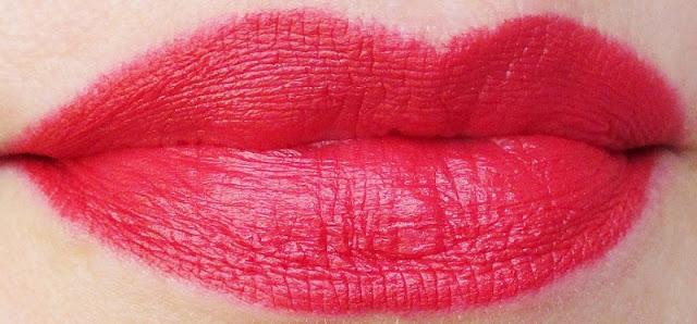 mirabella-masquerade-holiday-crimson-modern-matte-lipstick-lip-swatch-2